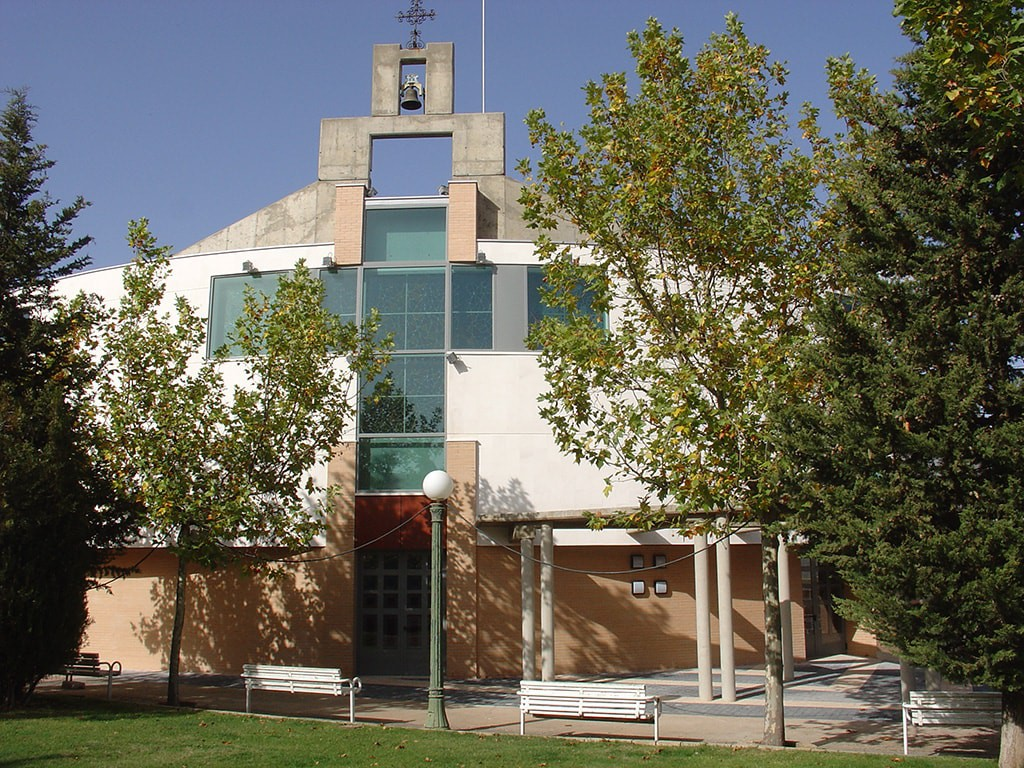 Fachada de la Iglesia de la Barriada en Soria