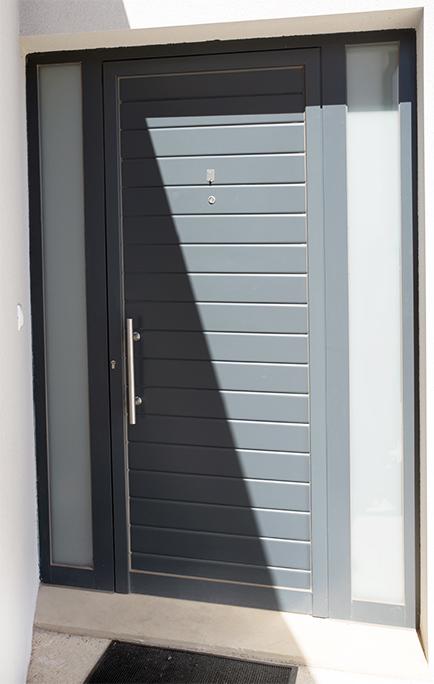 Puertas de entrada metálicas de aluminio
