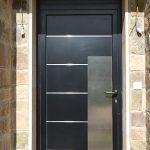 Puerta de aluminio moderna