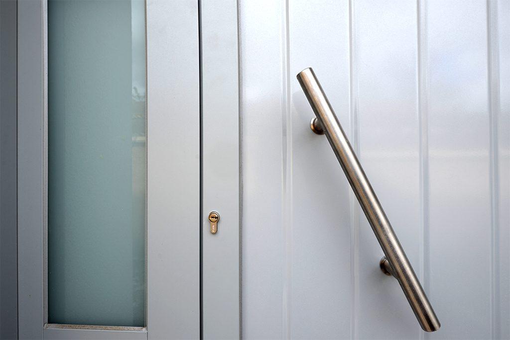 Tirador puerta de aluminio